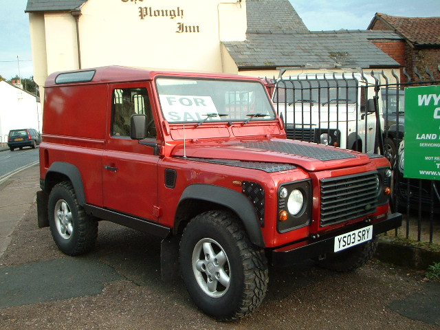 red-land-rover-90-001